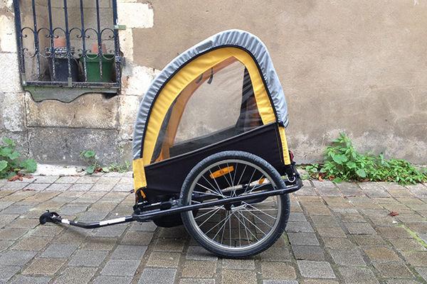 remorque enfant vélo ile de ré location.jpg
