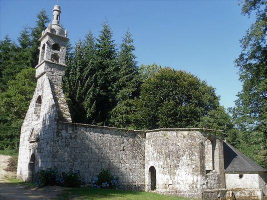 Vestiges chapelle de la Trinité - Lanvenegen - Pays roi Morvan - Morbihan Bretagne sud - CP OTPRM (15).JPG