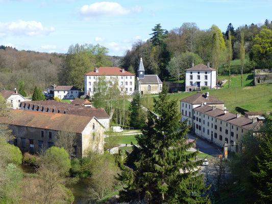 Bains-les-Bains-Manufacture_royale-Vue_générale_(2).jpg