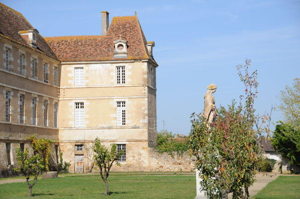 Bâtiments monastiques de la Maison-Dieu - Montmorillon ©Béatrice Guyonnet (9).JPG