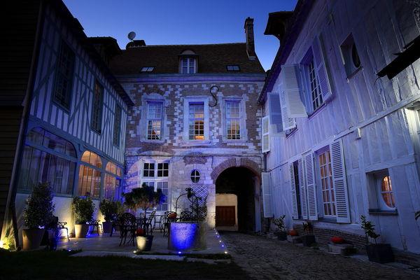 Hotel St Georges Troyes7.JPG