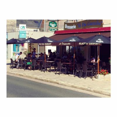 Restaurant_Le_Duguesclin_La_Roche_Posay.jpeg