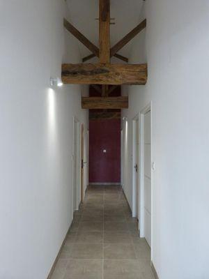 moncoutant-gite-lecurie-coin-couloir.jpg