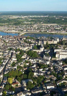 Blois vu du ciel.jpg