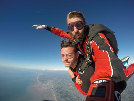 guide loisirs abalone parachutisme 2.jpg