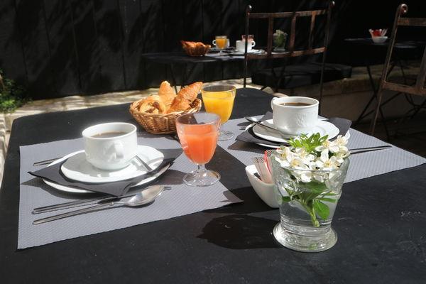 hotel-ile-de-re-la-maison-douce-petit-dejeuner_10.JPG