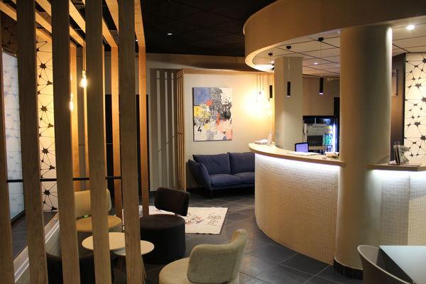 IN-SITU-HOTEL-VALENCIENNES-ACCUEIL-02.JPG