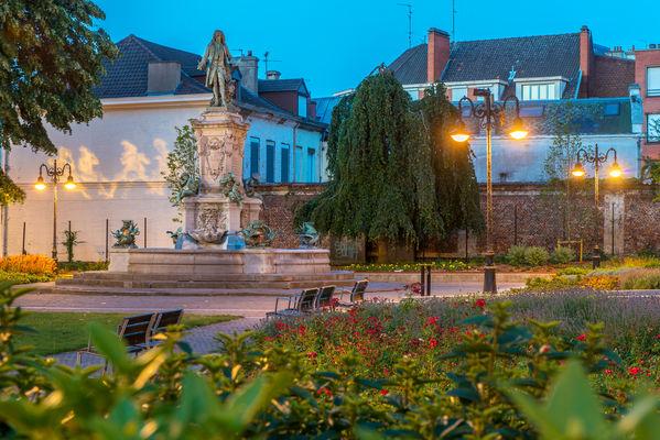 Valenciennes-square-st-gery.jpg