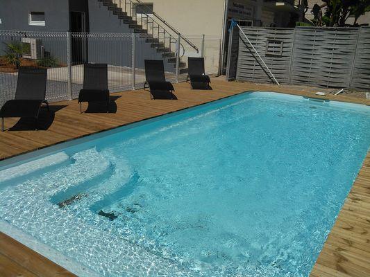 location_la_roche_posay_Porcheron_Ch_piscine_2_etoiles-.jpg