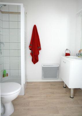 residence-etudiante-suitetudes-lucien-jonas-aulnoy-lez-valenciennes-studio-salle-de-bain.jpg