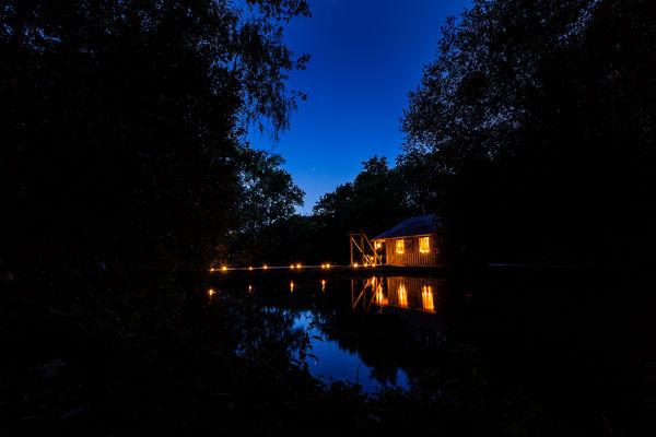 Cabane sur l'eau Martin Pecheur.jpg