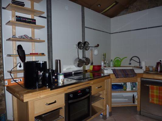 nueil-les-aubiers-chambres-dhotes-la-minaudiere-cuisine.jpg