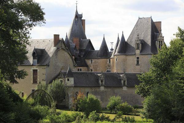 Dis moi dix mots Château de Fougères-sur-Bièvre © Gilles Codina - CMN.jpg