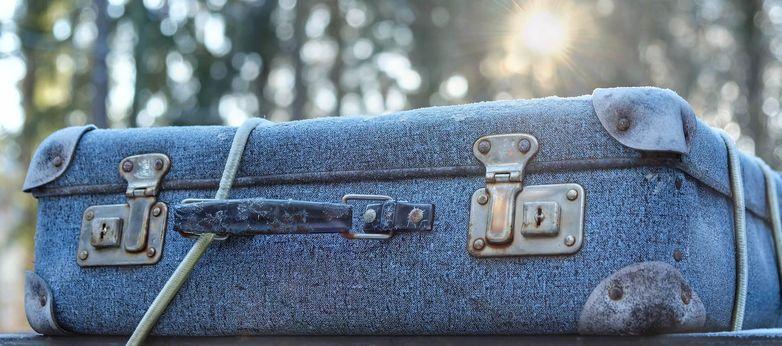 luggage-2020548_1920-1920x850.jpg