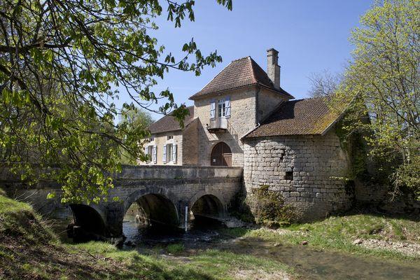 La Porte Madame du Parc aux Daims de Châteauvillain - crédit Région Grand Est (1).jpg