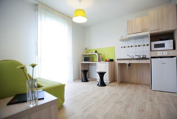 residence-etudiante-suitetudes-lucien-jonas-aulnoy-lez-valenciennes-t2-salon.jpg