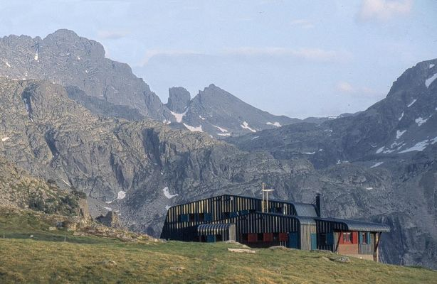 Refuge Rulhe montagne.jpg