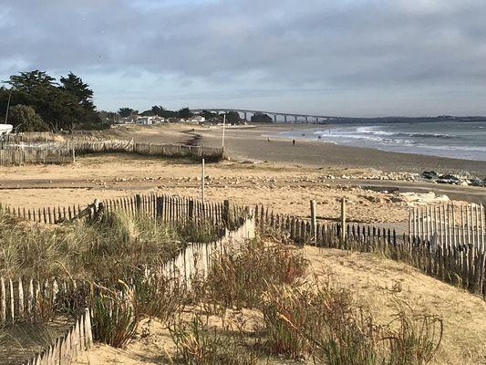 plage et pont de re .jpg