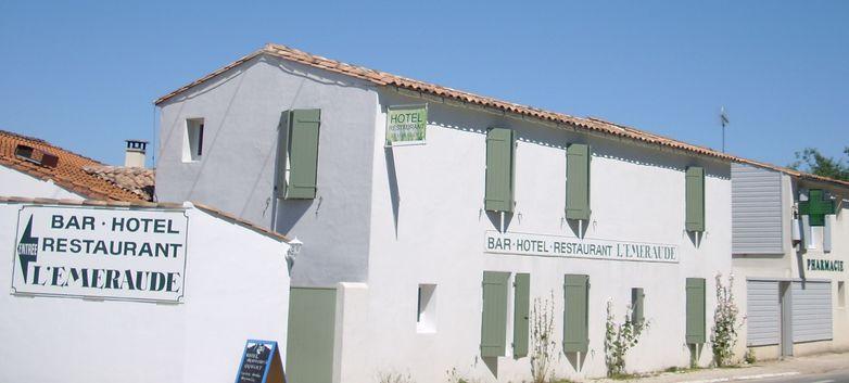 Façade Hôtel.JPG