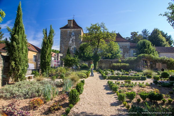 Jardin médiéval à Salviac © Lot Tourisme - C. Novello 160922-115818_800x533.jpg