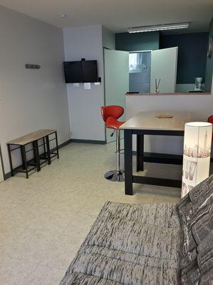mauleon-gite-du-renard-studio-cuisine-salon.jpg