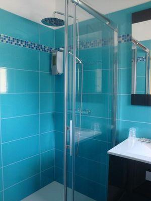 salle-d-eau-hotel-la-barbette-saint-martin-de-re.jpg