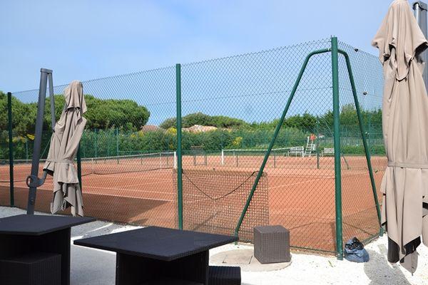 Loix_Tennis_Club__7_.JPG