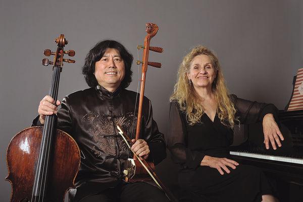 2395_Xuewen-Gao-avec-violoncelle-et-erhu-et-Marie-Boulenger-au-piano_photo-de-Rui-Moreira.jpg