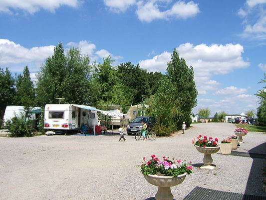 Camping_Renoir_2_etoiles_La_Roche_Posay (6).jpg