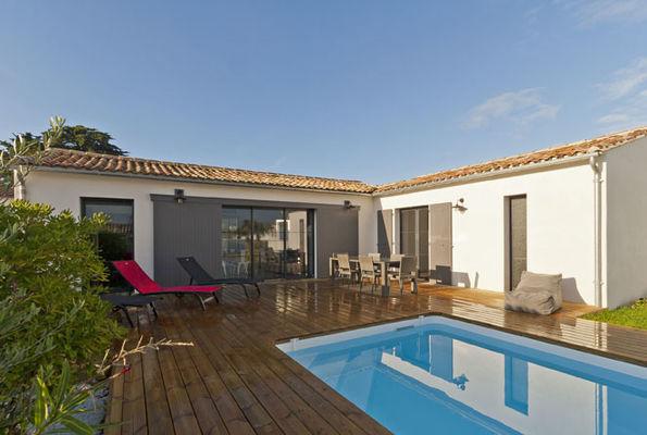 Villa pouzereau - Reglin Delphine - terrasse piscine.jpg