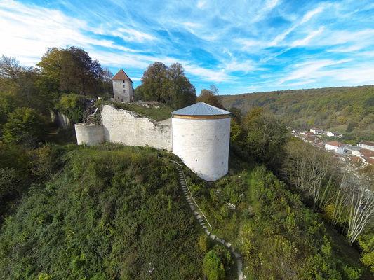 vue-aerienne-site-du-Chateau-de-Vignory-photo-CCBBVF-DRONEVISION.jpg