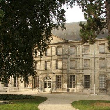 Saint-Loup jardin 2, - cliché Jean-Marie Protte, musées de Troyes.jpg