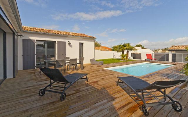 Villa pouzereau - Reglin Delphine - jardin terrasse.jpg