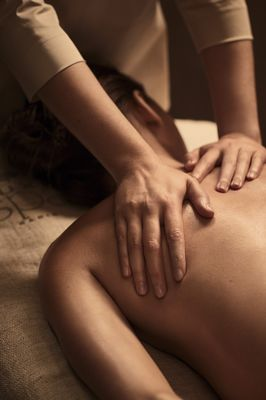 Massage Epaules Fem.jpg