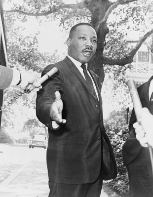 martin_luther_king_jr_i_have_a_dream_civil_rights_leader_vintage_pastor_activist_usa_speech-1086482.jpg!d.jpg