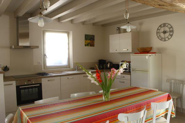 location-gite-maisondesfontaines-Nogent-sur-Seine-piece a vivre.JPG chaleureusee.jpg