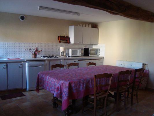 genneton-gite-les-3-roses-cuisine.JPG