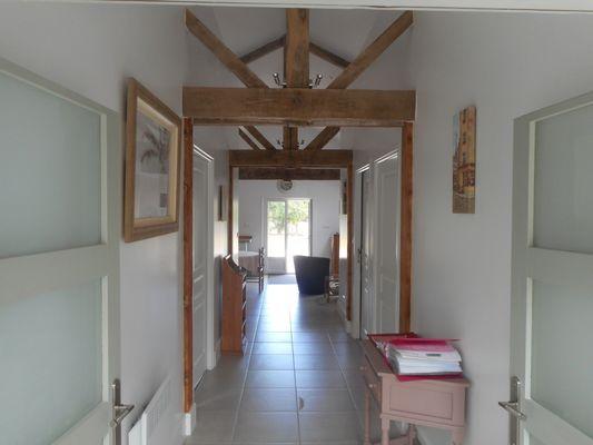 la-chapelle-gaudin-gite-la-cachette-couloir-entree.jpg