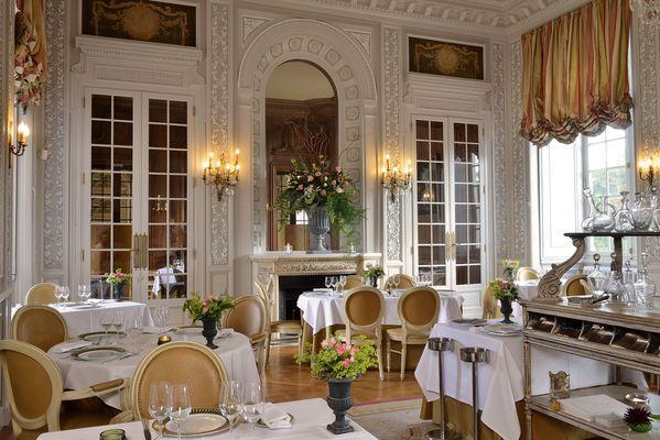 maulevrier-chateau-colbert-restaurant-le-stofflet.jpg