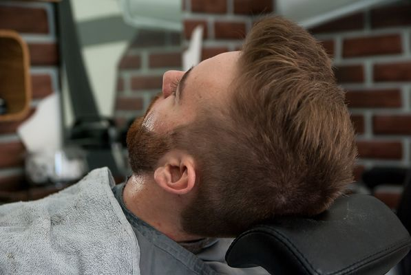 barber-shop-3173422_1920.jpg