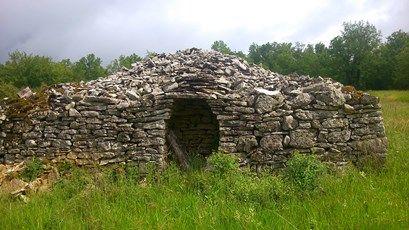 cabane-en-pierre-2.jpg