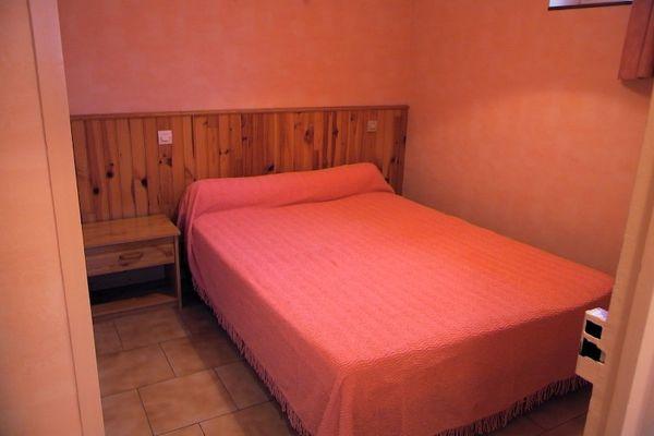 location-la-roche-posay-chambre.jpg