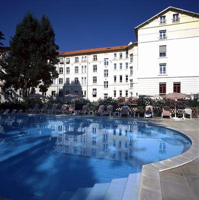 Residence_hotel_Les_Loges_du_Parc_4_etoiles_La_Roche_Posay (22).jpg