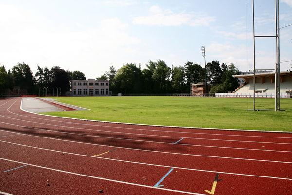 piste athletisme stade parc (6).jpg