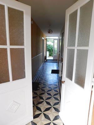 Entrée-couloir-maison-hotes-Saint-Clement4.jpg