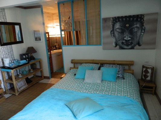 st maurice-etusson-chambre-dhotes-la-fougereuse-chambre1-sdb.JPG