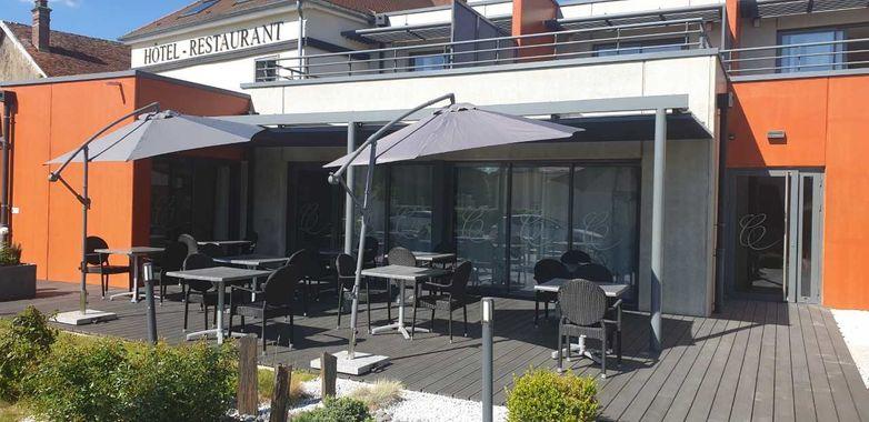 terrasse parassol.jpg