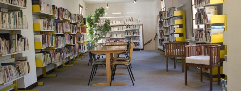 Bibliothèque Beaucaire.jpg