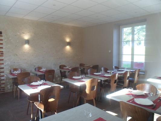 salle 1 Restaurant de la Gare Onzain.JPG
