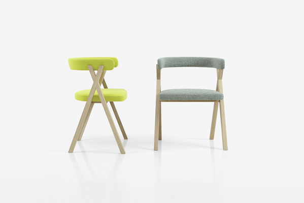 crossing-chair-grey-and-green-bg-grey-flat-c-benoit-deneufborug-c-photo-interni-edition.jpg